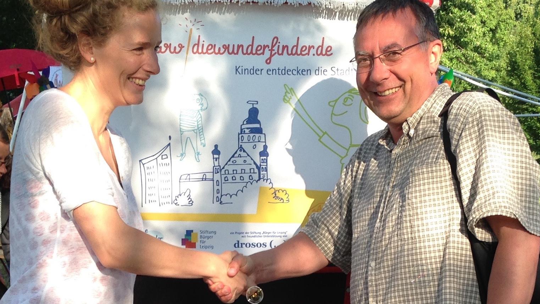 Christian Hönemann schlägt ein und wird Stifter. Ökofete 2015.