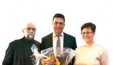 Wolgang Merseburger, Dr. Thomas Walter und Angelika Kell mit Blumen