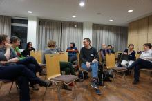 Teilnehmer der letzten kollegialen Beratung im Gespräch